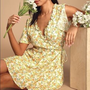 Lulu's AUDREY YELLOW FLORAL PRINT WRAP DRESS
